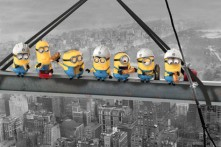 despicable-me-minions-lunch-on-a-skyscraper